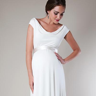 Retikül.hu - Bájos és romantikus esküvői ruhák nagy pocakra b701a62162