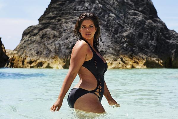 Save Rettegsz a strandszezontól  Nézd meg a pluszos méretű modellek képeit 45e32d8a51