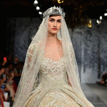 0df2eb1629 Retikül.hu - 24 csodás, hosszú ujjú esküvői ruha, ha nem érdekel a ...