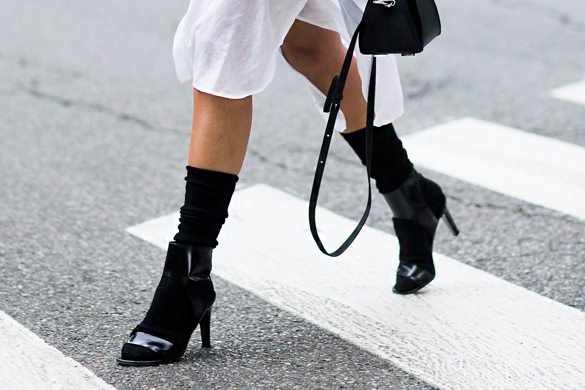Szandál zoknival újra divat? | Femcafe