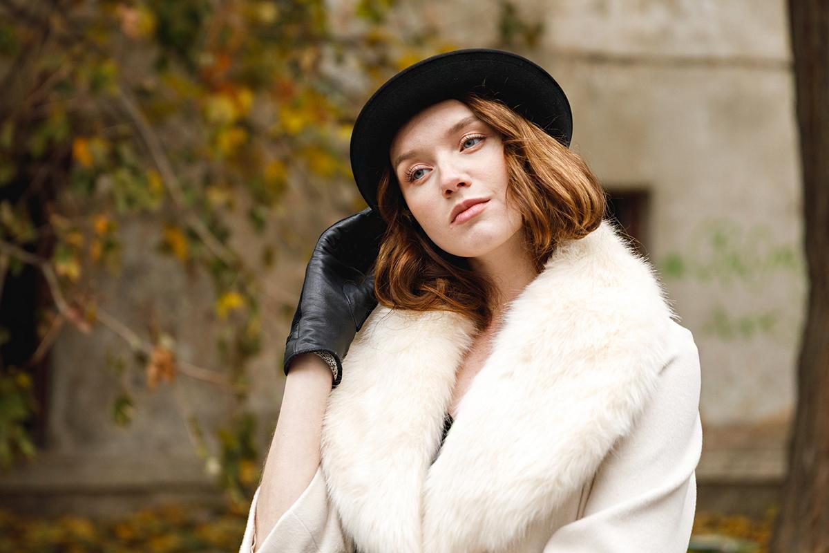 139ac177f436 Szupernőies alkalmi ruhák téli esküvőre: így lehetsz csinos hideg időben »