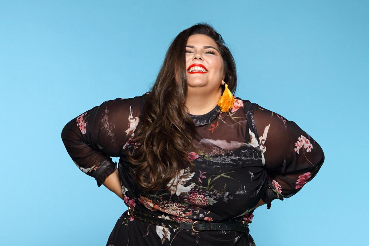 568fab61bb Divatos és nőies stílus 80 kiló felett: 6 dundi nő, aki nagyon tud  öltözködni