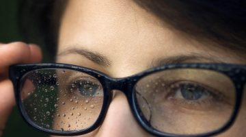 Zseniálisan egyszerű trükk a szemüveg bepárásodása ellen  olcsóbb 5836bae6bd
