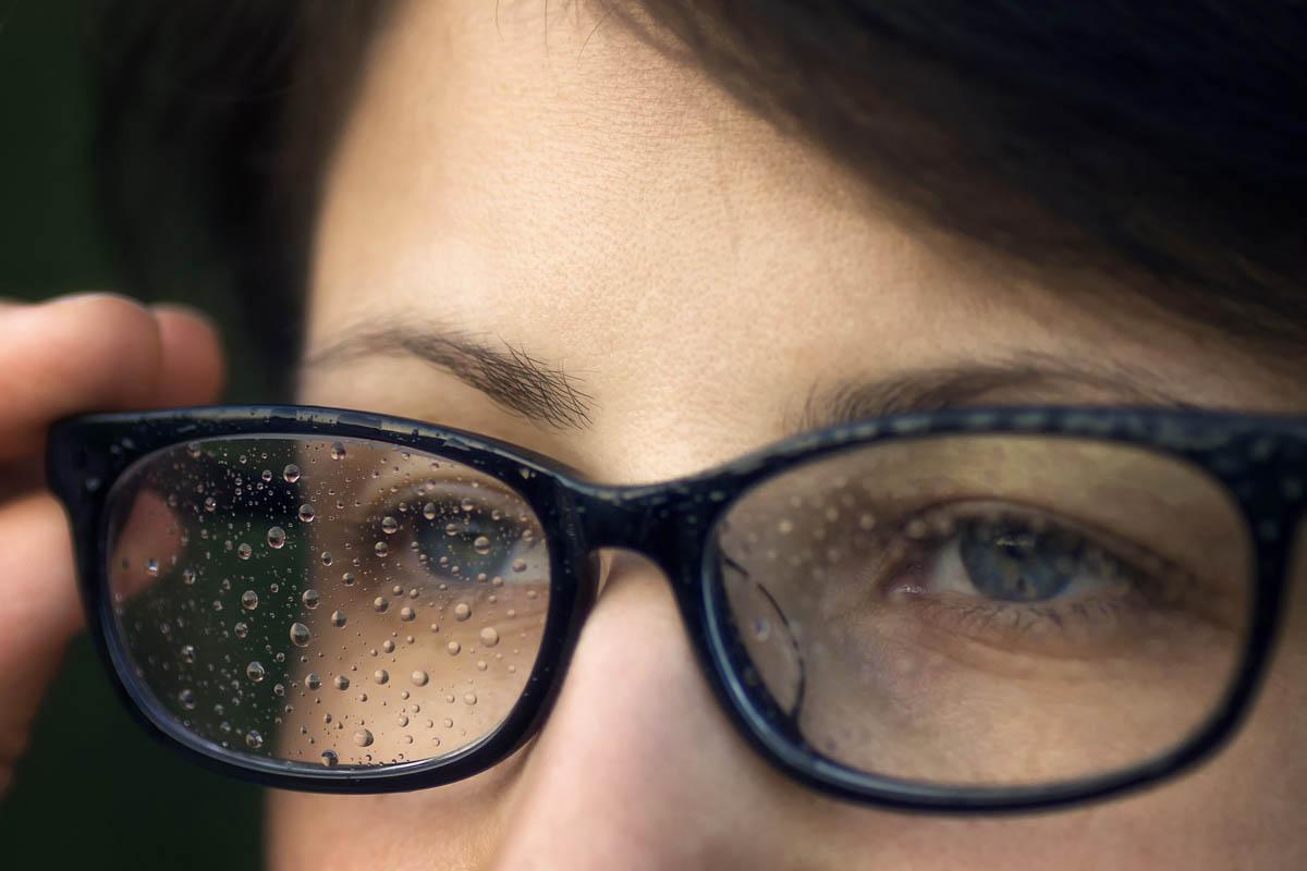 Párásodik a szemüveg a maszktól