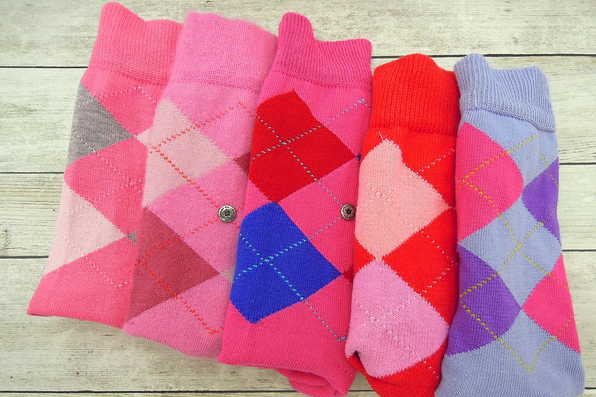 Így készíts tökéletes frizurát egy zokni segítségével: 8 pofonegyszerű trükk