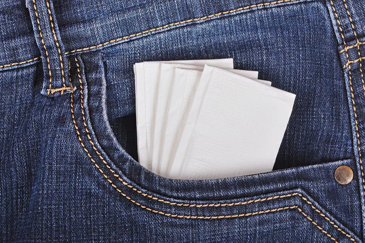 Ezt tedd, ha kimostad a zsebkendőt a ruhával: ne rakd vissza a mosógépbe!