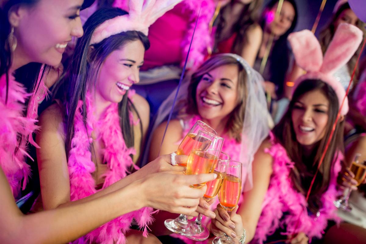 Ki szervezze a lánybúcsút? Menyasszonyként mit tehetsz a buli érdekében?