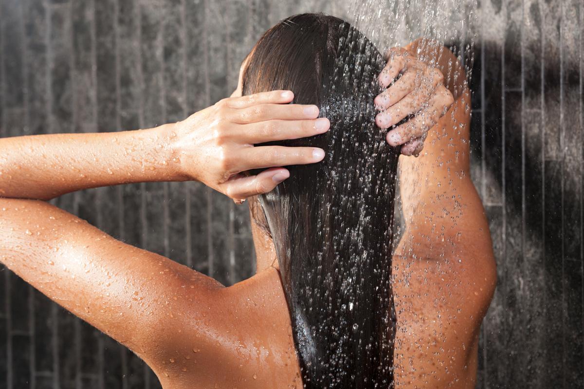 kamilla, hogy könnyítse meg a haját a fogyás előtt és után