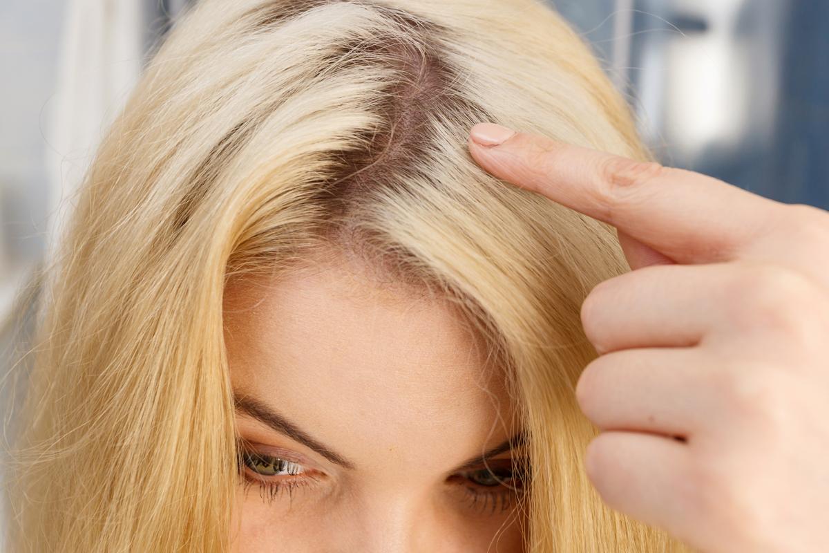 3 villámgyors frizura, ami eltünteti a lenőtt hajtöveket két festés között