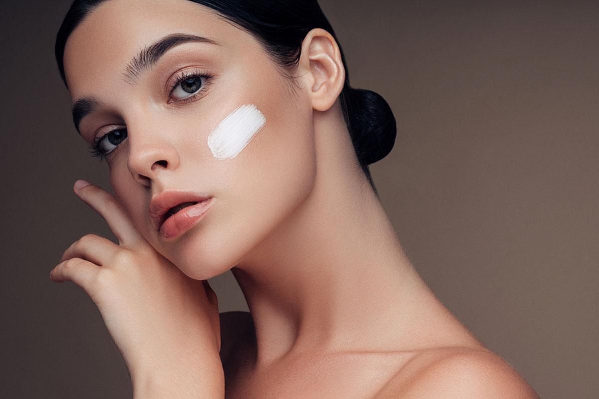 Szuperkönnyű hidratálók fényvédővel: nem lesz zsíros a bőröd