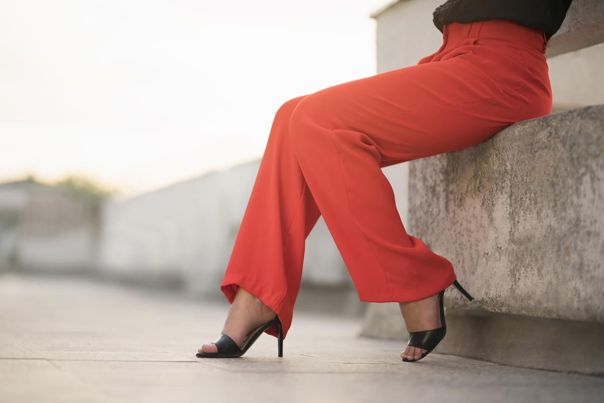8 kényelmes és elegáns nadrág esküvőre vendégként, ha nem vagy kiöltözős típus