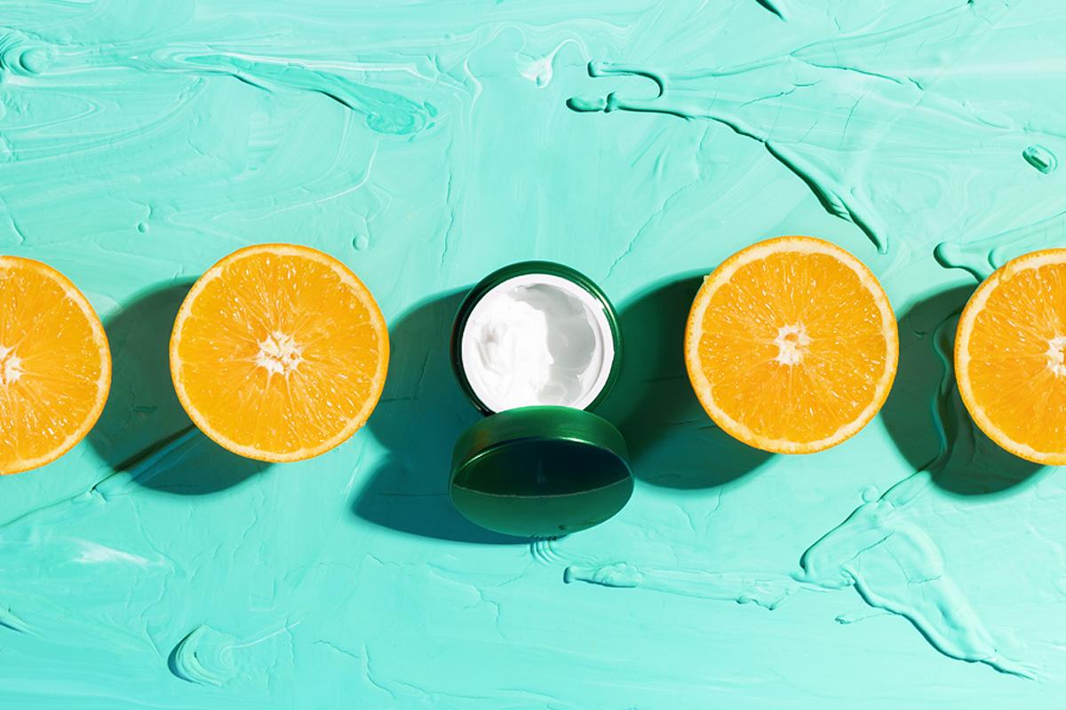 A legjobb C-vitaminos arckrémek: csökkentik a ráncokat és pajzsként védik a bőrt