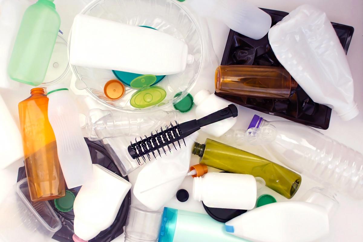 Elképesztő mennyiségű szemetet termelnek a dupla és tripla csomagolású kozmetikumok: gyökeres változásra lenne szükség