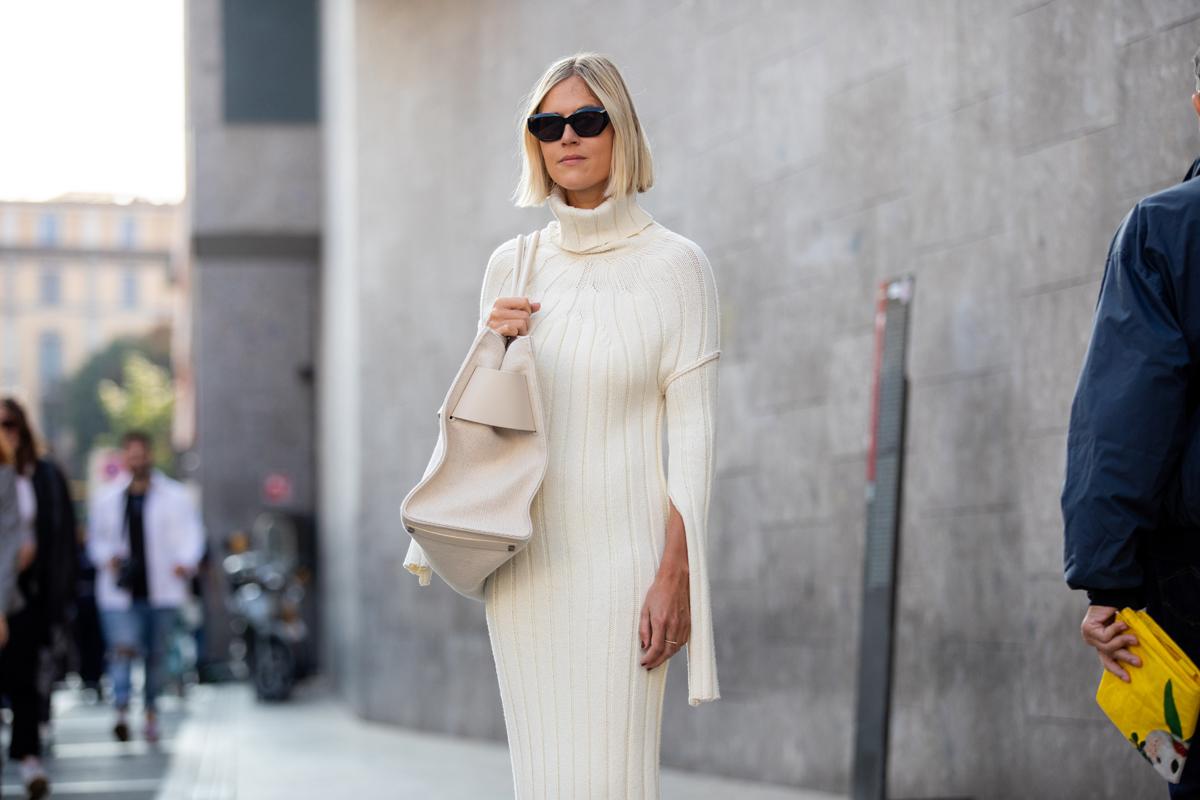 Egyszerű, de sikkes kötött ruhák, amikben mindig nőiesnek érezheted magad: még az irodai szetteket is feldobják